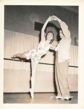 Leggy MARY MARTIN LEROY PRINZ CANDID Ballet Lesson Vintage 1939 Paramount Photo