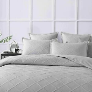 D'Aurora Trellis quilted Quilt Cover Set Double/Queen/King/Sking white and grey