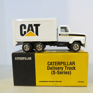 Ertl Catepillar S Series Delivery Truck 1/25 CAT-2420-B