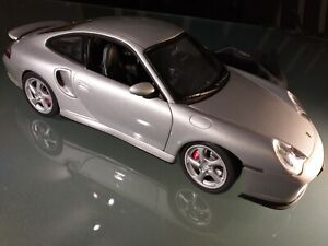 Porsche 996 Turbo Auto Art Silver 1:18