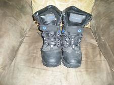 Boy's Airwalk Thermolite Boots size 6 Black and Blue Design