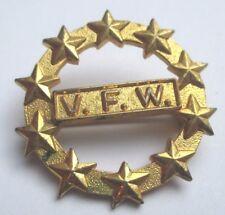 broche bijou vintage couleur or rosace association V.F.W (WVF en anglais) 2661
