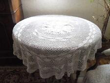 Nappe ovale ancienne en crochet  150 cm x 140 cm  blanc