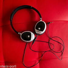 + Set-Pair of wired TriPort Bose OE On-Ear Headphones comes with its own cable +