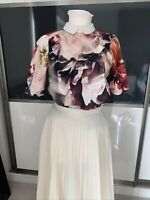 Lovely Ladies Floral Blouse By River Island Size 10 Top Tshirt