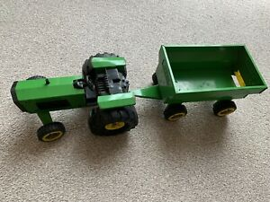 Large Tonka Vintage Green Tractor And Trailer 1980's, Pressed Steel.
