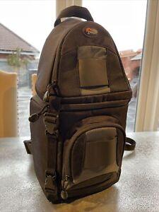 Lowepro SlingShot 100 AW padded DSLR camera bag