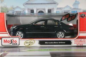 Maisto Mercedes Benz E Class 1:18 scale. ** Please read item description**