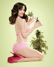 ACTRESS MARY-LOUISE PARKER PIN UP - 8X10 PUBLICITY PHOTO (AZ931)