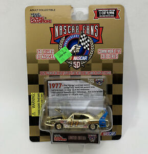 Racing Champions 50 Years of Gold 70 Plymouth Superbird NASCAR (1555)