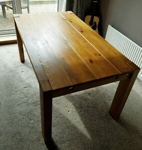 Extendable Wooden Table.