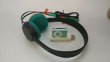 iPod Shuffle With USB Charger And Coloud Wired Headphones Bundle