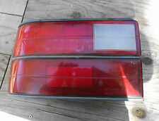 1988-1989 Hyundai Excel 4dr >< Taillight Assembly >< Left Side