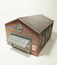 Diorama Model Kit Garage RR Brick and Car Service Equipment in Scale 1:43 NEW