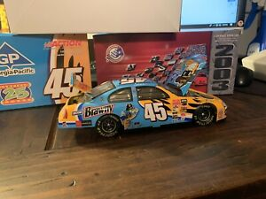 Action Collectable Nascar 1:24 Scale 2003 Kyle Petty#45 Garfield 25 Years 104780