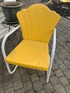Vintage Metal Lawn Chair!