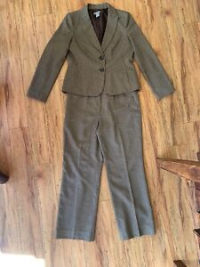 ANN TAYLOR Brown Two Piece Suit Size 10 Signature Two Button Career Work