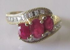 Secondhand 14 Ct or jaune Triple Ovale Ruby & Multi Diamant Cluster Bague Taille O