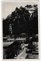 Ansichtskarte Mittenwald mit Viererspitze - Ortsansicht mit Kirche -schwarz/weiß