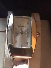 Principios reloj de mujer de cuarzo con correa de estilo pulsera de plata tono.