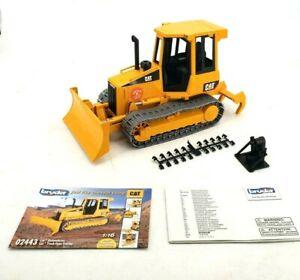 Bruder 2005 CAT Kettendozer Diecast Track Tractor 1:16 02443