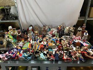 Konvolut Puppen Trachtenpuppen Länderpuppen 90 Stück