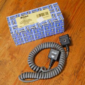 Nikon SC-17 TTL Coiled Remote Off Camera Flash Sync Cord SB-910 900 800 700 600