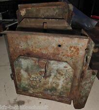 Werkzeugkasten / Tankhalterung von Deutz F2L 514/53 Oldtimer Traktor