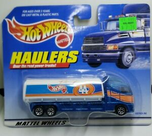 Haulers Over The Road Power Truck Oil Tanker In A 1:64 Scale Diecast Hot Wheels