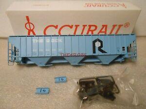 Accurail Rock Island PS 4750 Grain Hopper Car in Box HO #118