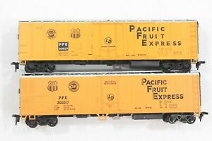 HO 2 Athearn Pacific Fruit Express 50ft Mechanical Refrigerators Dif #s REVISED