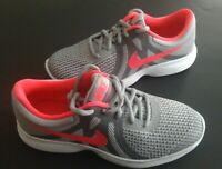 Womens Girls Size 4,5,7 Y Sneakers NIKE REVOLUTION 4 (GS) 943306  Running NEW