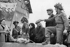 WW2 - Juno Beach 6 juin 44 - Contacts entre Canadiens-français et civils