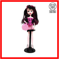 Monster High Draculaura Doll Scaris City Of Frights Ghoul Mattel Retired w Stand
