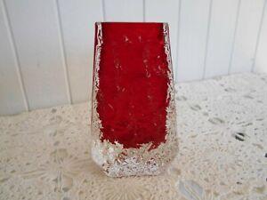 """Whitefriars 1969 Geoffrey Baxter Red 5"""" Textured Bark Coffin Glass Vase"""