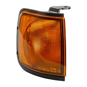 Parking Light-Park and Signal Light Combo Front Right TYC 18-5325-00