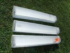 Wet Location 4 ft Fluorescent Lights w/Covers Used Car Wash, Paint Booths Tool
