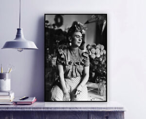 Frida Kahlo Vintage Photo Print / Black & White / Mexico / Wall Decor