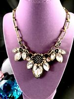 GORGEOUS GOLD-TONE CHAIN LINK NECKLACE LARGE CRYSTAL RHINESTONE FLORAL PENDANT