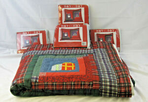 """Day by Day Holiday Wishes 100""""X90"""" Quilt Comforter with 4 20""""X26"""" Pillow Shams"""