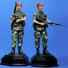 SOL RESIN FACTORY, MM011, 1:35, MILITARY POLICEWOMAN MP BDE GRENAD (2 FIGURES)