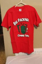 Big Package Coming Thru Men Small S Christmas t-shirt cotton Red New With Tags