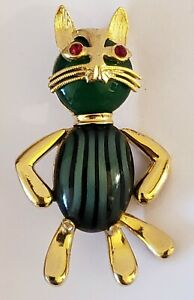 Vintage 1950's WEISS Gold Tone Green Gemstone CAT Brooch Pin w/ Red Jeweled Eyes