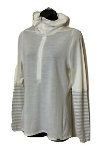 PATAGONIA~ IVORY HOODED TRAIL RUNNER  1/2 ZIP PULLOVER~ SIZE LARGE  NEW