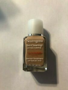 (1) Neutrogena Skin Clearing Oil Free Makeup 100 Natural Tan Expires 06/19
