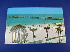 Clear Water Beach Florida Vintage Colorful Postcard Unused Pc15