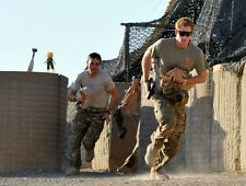 Prince Harry UNSIGNED photo - D348 - In the British Army