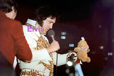 ELVIS PRESLEY IN MEXICAN SUNDIAL SUIT TCB RING LARGO MD 5/22/77 PHOTO CANDID #5