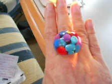 MULTI COLOUR MARSHMALLOW BALLS SET IN CLEAR LUCITE RING, STATEMENT RETRO SIZE W
