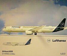 Herpa Wings 1:200 Airbus A321 Mannschaftsflieger Fanhansa D-Aisq Lindau 559416